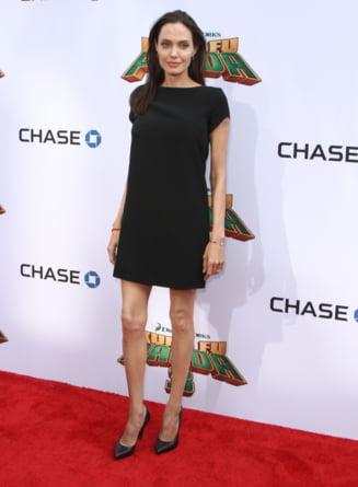Angelina Jolie vorbeste despre viata dupa Brad Pitt si paralizia lui Bell