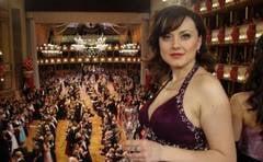 Anita Hartig a valsat la Balul Operei din Viena