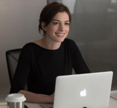 Anne Hathaway asteapta primul copil