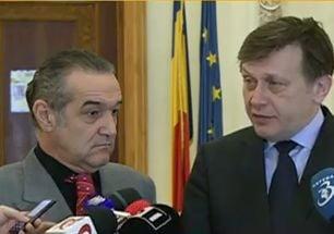 Antonescu: Aducerea lui Becali in PNL a fost o greseala. Mi-o asum. Poate am gresit si cu Fenechiu