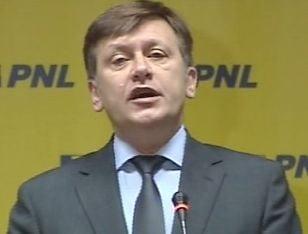 Antonescu: Basescu e in stare sa se milogeasca de oameni pe care i-a insultat