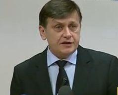 Antonescu: Basescu indeamna la dispute meschine, pe tema modificarii Constitutiei