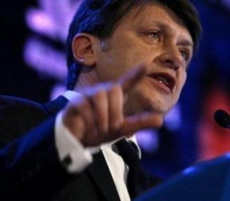 "Antonescu: Basescu nu mai e o tinta, ne luptam ""pe viata si pe moarte"" cu PD-L"