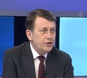 Antonescu: Basescu poate spune mai multe despre aceste stari ale domnului Voronin
