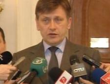 Antonescu: Ce s-a intamplat cu datoriile Rompetrol? Le-a reesalonat dl Basescu?