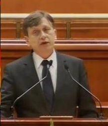 Antonescu: Daca Basescu nu e demis la referendum, ma retrag definitiv din politica