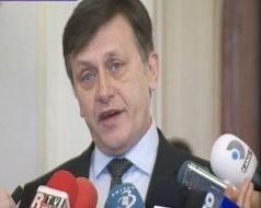 Antonescu: Daca cineva cu dosare trebuie sa demisioneze, nu inteleg de ce Basescu intarzie