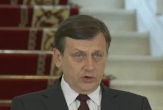 Antonescu: I-am cerut sefului STS intreruperea serviciilor pentru Traian Basescu