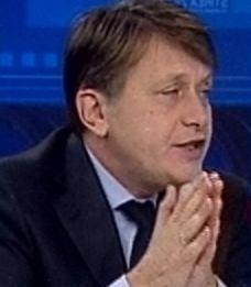 Antonescu: Iliescu si PSD s-au despartit, definitiv, de comunism