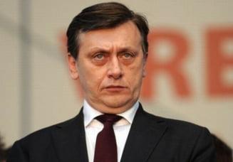 Antonescu: Lui Basescu tare ii e frica sa nu fiu eu presedinte. De ce as mai fi ramas la discurs? (Video)