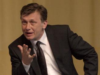 Antonescu: Noi, toti romanii, platim acum realegerea lui Basescu