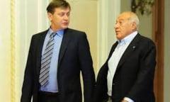 Antonescu: Nu agreez actiunea lui Voiculescu de inchidere a unor institutii de presa