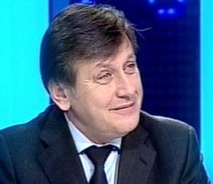 Antonescu: Nu am initiat suspendarea presedintelui ca sa camuflam cazul Geoana
