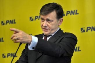 Antonescu: PNL va avea un candidat la sefia Senatului. Ironii la adresa lui Tariceanu