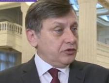 Antonescu: Presedintele si DNA ar trebui sa se preocupe de cei care au furat CFR Marfa