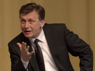 Antonescu: Sunt mai bun decat Traian Basescu, ma comport civilizat