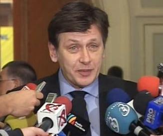 Antonescu: Sunt manios pentru taierea de 25%, sunt doar bugetar (Video)