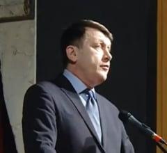 Antonescu: Tariceanu sta ca Ana Pauker. Ponta vorbeste ca Radio Moscova despre Romania