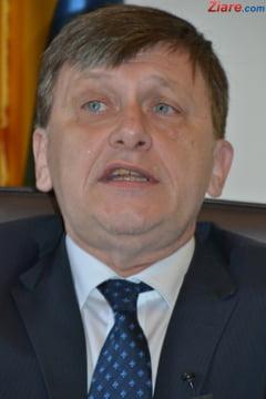 Antonescu: Traian Basescu, nu ti-e rusine?
