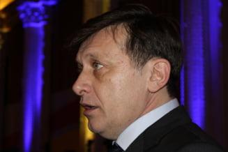 Antonescu: Votul privind definirea casatoriei ar putea fi reluat, eu si Ponta avem opinii diferite