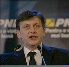 Antonescu: Vreau voturile celor 75% din cetatenii nemultumiti de Basescu