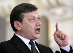 Antonescu, atac dur la CCR: A falsificat referendumul de anul trecut