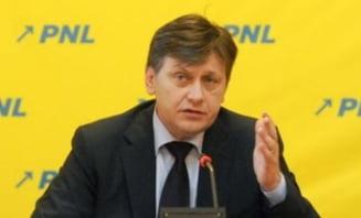 Antonescu, atac la seful Parlamentului European: Sa se faca negustor de energie. Ponta sa ia atitudine