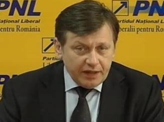 Antonescu, despre Basescu: Este incapabil de a raspunde protestului masiv