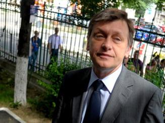 Antonescu, despre Basescu si Rusia: Daca isi inchipuie ca ii incanta pe americani, se insala