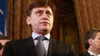 """Antonescu, despre comasare: Guvernul isi asuma raspunderea """"in spasme"""""""