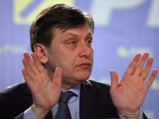 Antonescu, despre demisia lui Voiculescu: M-a surprins si pe mine
