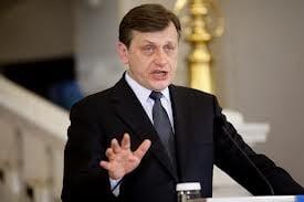 """Antonescu, mandat de """"fermitate"""" din partea PNL: Fara Constantin vicepremier, vrem USL-ul din 2012!"""