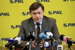 "Antonescu, reactie la ""Draga Crin"" a lui Ponta: O forma morbida de spiritism politic"