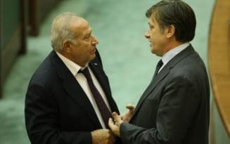 Antonescu, ultimatum pentru Ponta - Pana luni sa decida: Guvern cu PNL sau alianta cu Voiculescu
