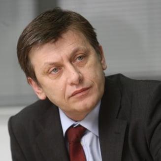 Antonescu cere audieri in legatura cu inregistrarile din Parlament