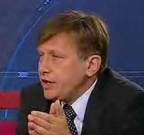 Antonescu ii cere lui Basescu sa nu mai vorbeasca in calitate de cap al familiei