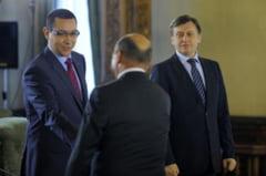 Antonescu ii compara pe Basescu si Ponta cu niste lideri interlopi