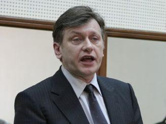Antonescu ii da replica lui Basescu: I-o fi dor de suspendare