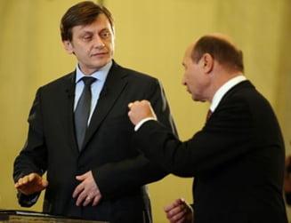 Antonescu ii intoarce iar spatele lui Basescu: Spune pas receptiei date de 1 Decembrie
