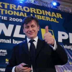 Antonescu le-a prezentat liberali proiectul cu care va candida la Congres