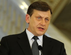 Antonescu nu e suparat ca PSD racoleaza parlamentari: Majoritatea devine si mai majoritate (Video)