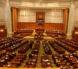 Antonescu scade sub Basescu la incredere. PNL, sub PDL la europarlamentare - sondaj CSOP (Video)