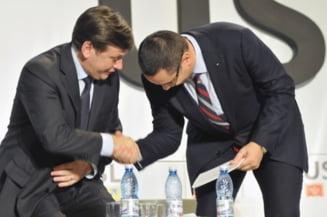 Antonescu si Ponta se trimit unul pe altul sa discute cu Blaga despre regionalizare