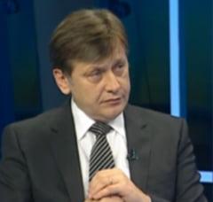Antonescu vede rusinoasa apropierea PNTCD de Basescu