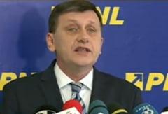 Antonescu vrea consultari cu premierul si presedintele pe tema Crimeea, dar ataca PSD