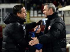 Antrenorii au inceput derbiul Steaua - Dinamo: Sageti intre Reghecampf si Rednic