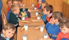 """Anul scolar 2014-2015, un nou program """"Cornul si laptele"""""""