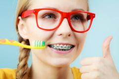 Aparatul dentar - ghid util pentru adolescenti