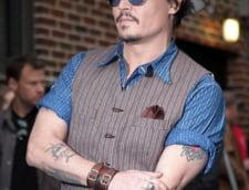 Aparitie inedita: Johnny Depp, cu unghiile strident lacuite