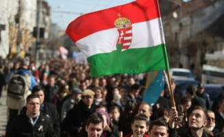 Apel soc al ungurilor din Baia Mare: Nu va mai casatoriti cu romani, cautati prieteni maghiari!